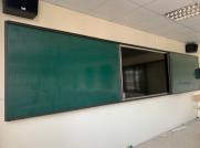 Bảng trượt ngang 2 lớp liền khối kết hợp tivi hoặc bảng tương tác